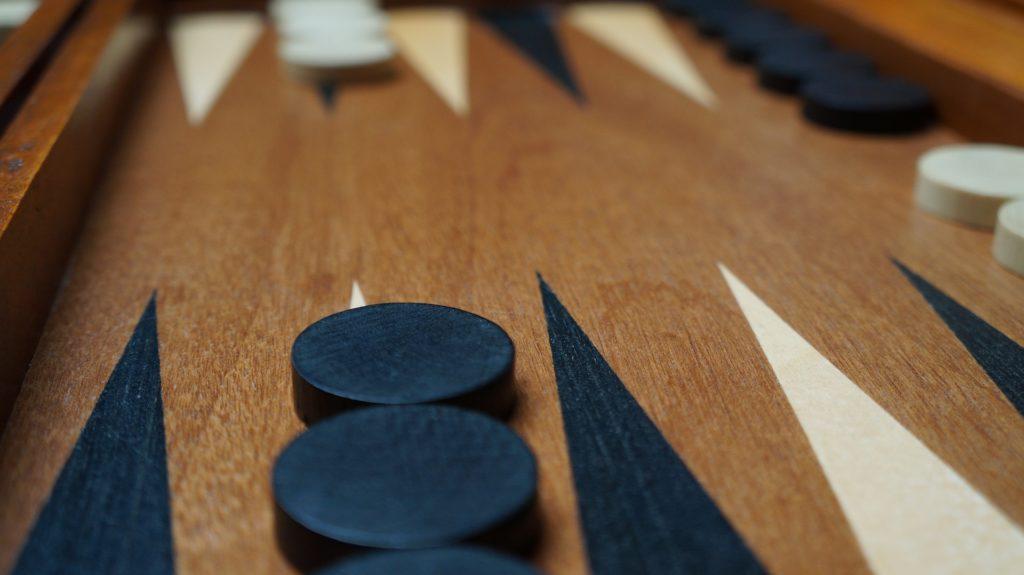 backgammon checkers and board