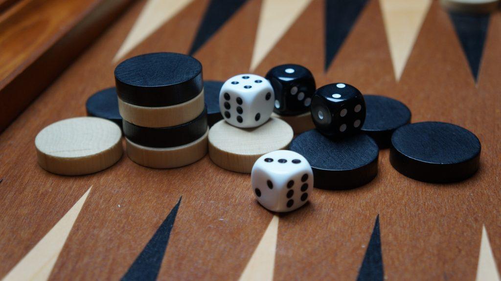 backgammon checkers dice