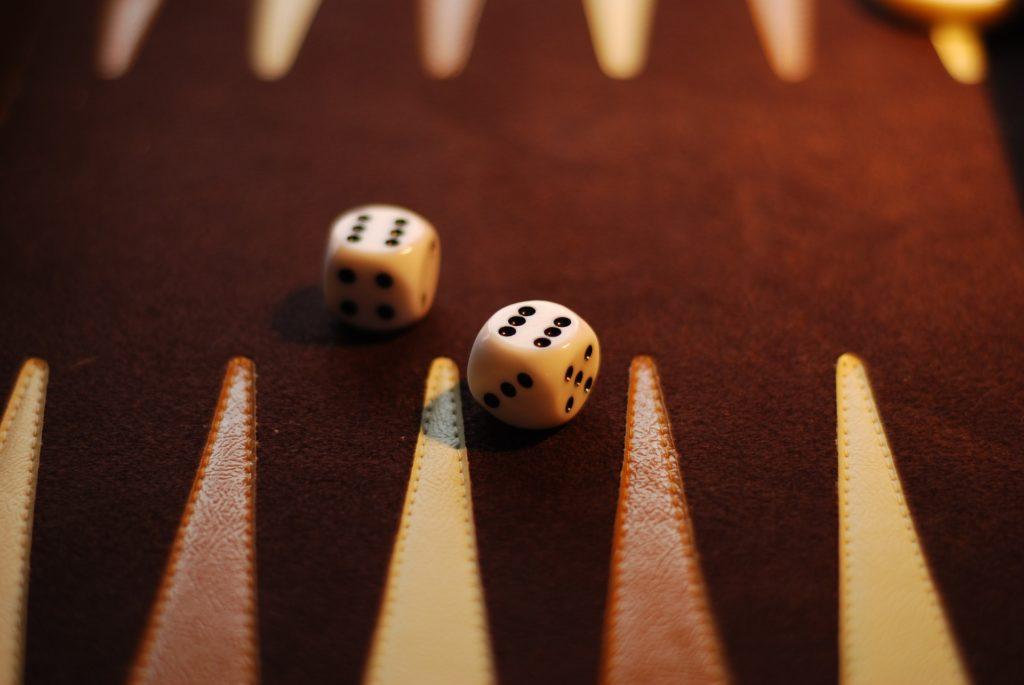 backgammon dice board
